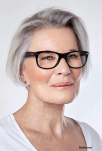 Coupe de cheveux femme 50 ans lunettes Ample 2