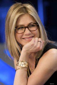 Coupe de cheveux femme 50 ans lunettes Ample