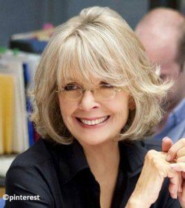 Coupe de cheveux femme 50 ans lunettes fine 2